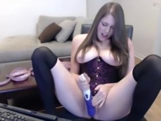 Cute brunette webcamshow