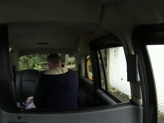 Alessa and her pussy gets fucked in a cab by a driver