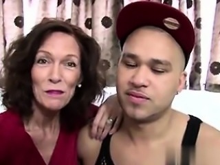 Fucked her on MILF-MEET.COM - Real mature mom fucked by youn