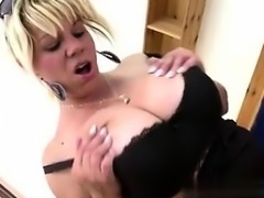 Mother with big natural boobs and hot bo - My Date from MILF