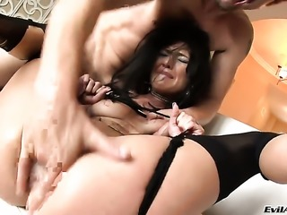 Sadie West spends time fucking