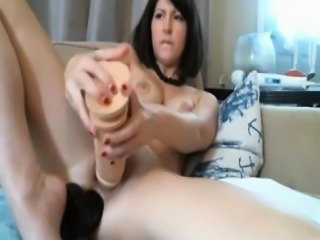 Squirting Webcam Girl Gets DP\'ed