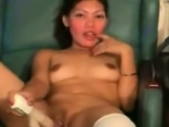 Asian amateur with white stockings toy fucking her clit