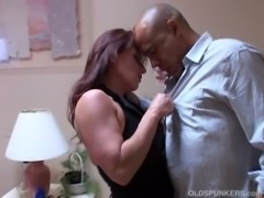 Tasia is a tasty brunette MILF who loves to eat cum free