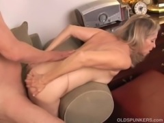 Beautiful mature blonde has a very sexy body and is a hot fuck free