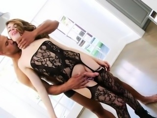 Tight tranny Vixxen Goddess anal fucking with horny man