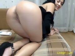 Sexy MILF performs anal masturbation free