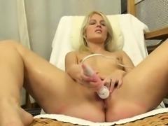 Extreme spanish blonde pussy gaping