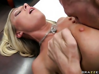 Devon Lee with big bottom plays with Johnny Sinss stiff love stick before she takes it in her mouth