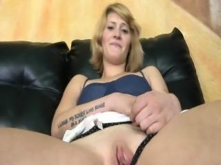 Girl next door spreads pussy for jerks