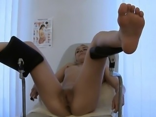 Immoral Doctor Does A Thorough Exam On Blondie