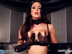 """Playful pussy pot Jessica Jaymes playing with her clit slit"""