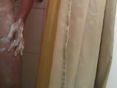 Taking A Shower - Tomando Una Ducha