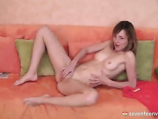 Mandy Q cant live a day without masturbating