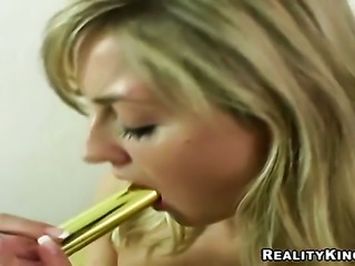 Blonde Silvie Thomas with round booty and trimmed beaver groans as she fucks...