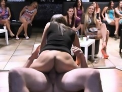 These sexy girls love no thing more than to suck cock!
