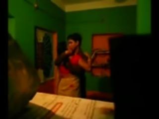Desi Bhabhi Fucked By Neighbor Scandal clip0 free