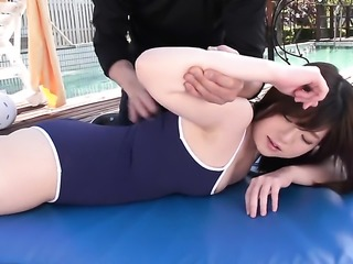 Outdoor fun with a sexy Japanese lady