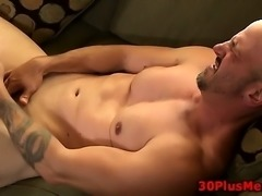 Muscly dude cum drenched