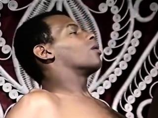 Ebony Ayes, Tony El-Ay in brilliant star of classic sex