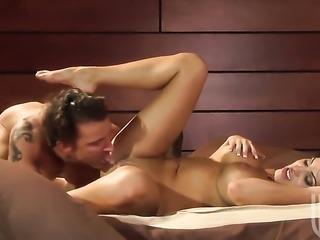 Veronica Rayne has some gym sex