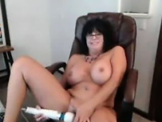 Fat Mature Cam Slut With A Wand