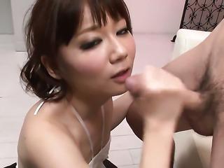 Yurika Miyachi enjoys another nice cumshot session