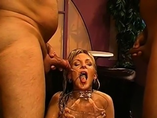 Hottie gets her cunt drilled with hard toy fucking
