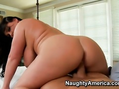 Indianna Jaymes with juicy ass takes Christians cum loaded snake in her muff pie