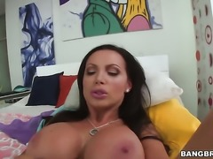 Brunette woman Nikki Benz with juicy booty has some time to make hard-dicked...