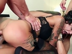 Veronica Avluv is in a gangbang. She finds out that she can take all of them...