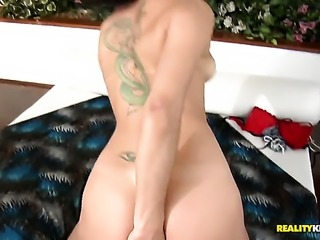 Brunette senorita Gyselle Byttencourt shows her oral talents in blowjob action with Loupan