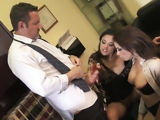 Chanel Preston is ready to spend hours sucking mans tool non-stop