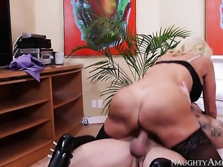 Kurt Lockwood makes Tara Holiday with phat booty and smooth muff scream and...