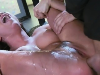 Bigtitted babe squirts while getting anal