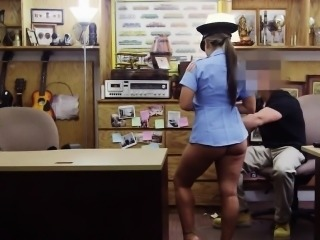 Amateur schoolgirl being banged by pawn guy