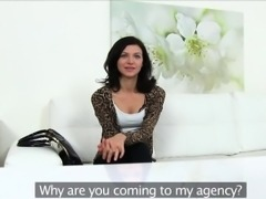 Arian is a horny amateur who wants to get into modelling
