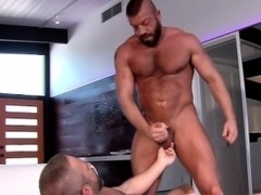 Ripped bears fuck and cum