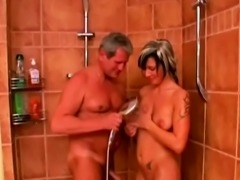 Anna give an aged guy a good blowjob
