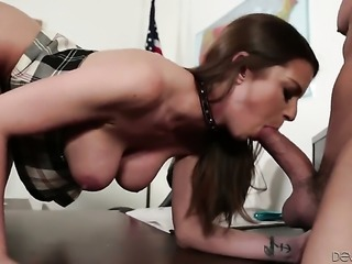 Brooklyn Chase keeps her mouth wide open while giving blowjob to Will Powers