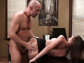 Brooklyn Chase gets her mouth destroyed by stiff worm