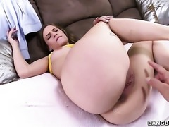 Blonde Sydney Cole with bubbly bottom gives it to horny dude and makes him...