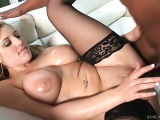 Sex obsessed slut Dayna Vendetta squeezes the cum out of Prince Yahshuas ram...