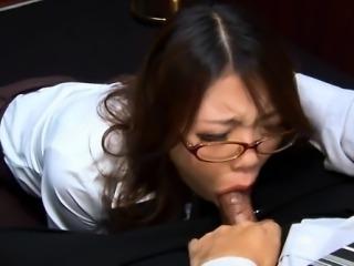 Hot oriental babe enjoys an electrifying banging doggystyle