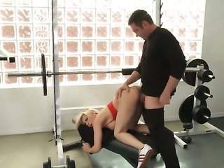 Madison Ivy and horny dude have a lot of fun in this oral action