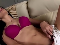 Skinny bimbo uses a dildo on her cunt