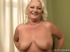 bbw mature milf got a new toy