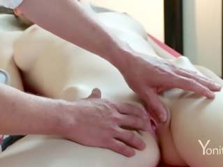 Yonitale: Stunning Emily Bloom has an orgasmic massage