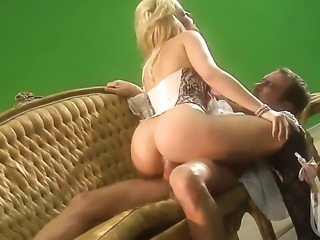 Well-experienced woman Alexis Texas gets her throat pumped full of sausage in...