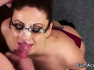 Slutty peach gets jizz shot on her face swallowing all the l